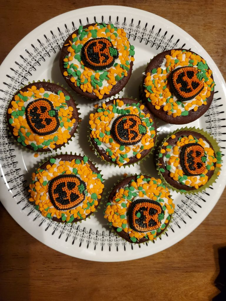 Picture of Haloween Pumpkin  Cupcakes