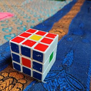 Rubik's Cube Tricks-center Piece.