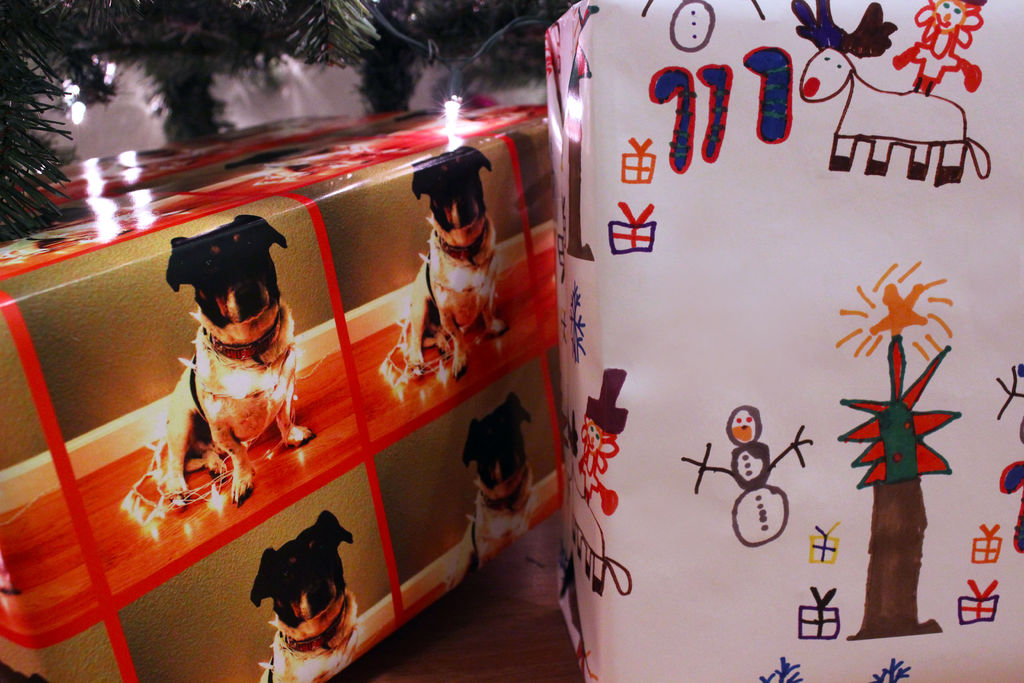 Picture of Creating Custom Gift Wrap