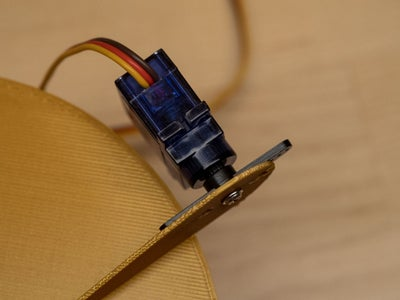 Attach Lid to Servo Motor