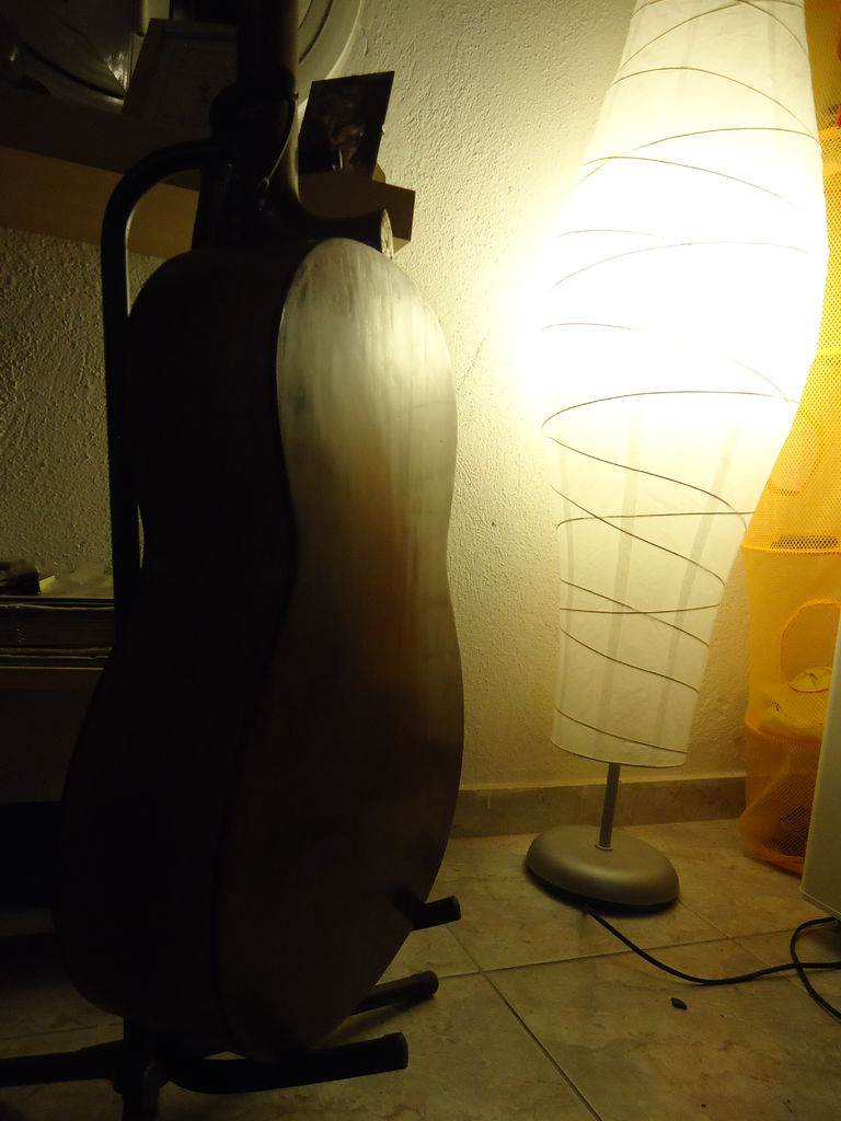 Picture of Classical Guitar Refinish