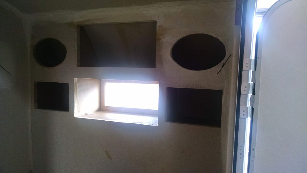 Picture of Construction of the Camper Front
