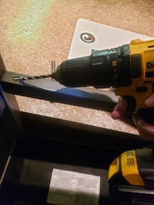 Using the Power Drill: Inserting the Screw