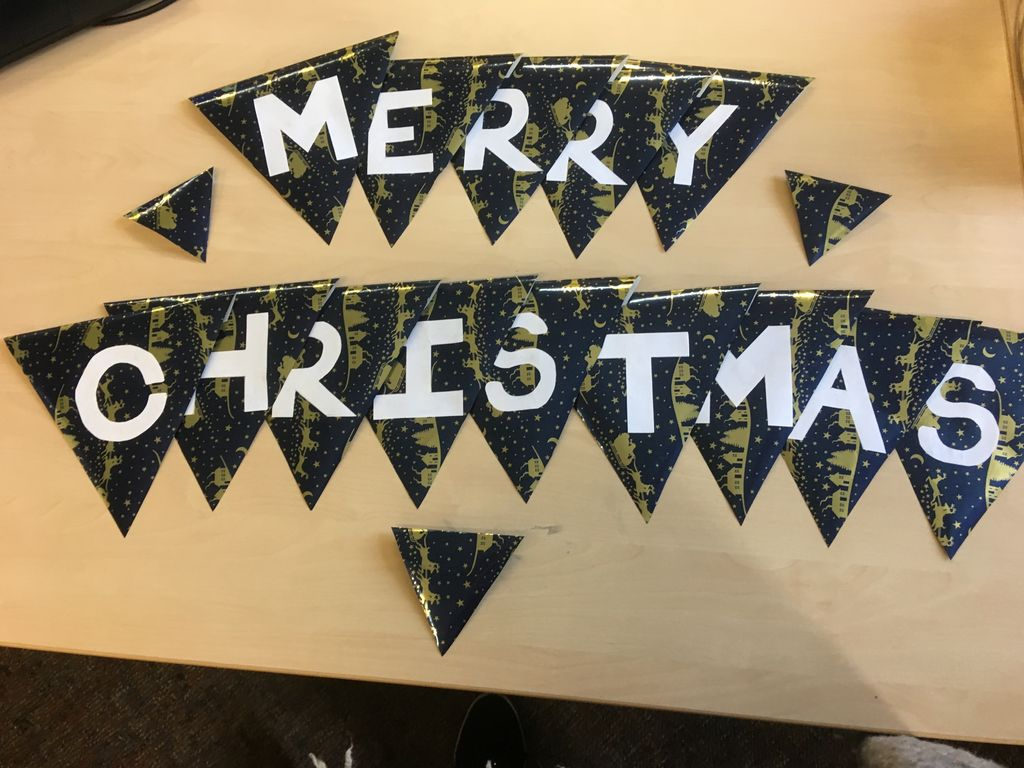 Picture of Re-use Wrapping Paper Bunting