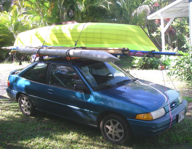 Canoe on Car, Maui