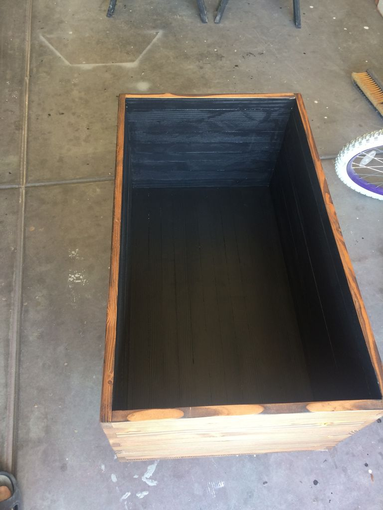 Picture of Sealing and Painting
