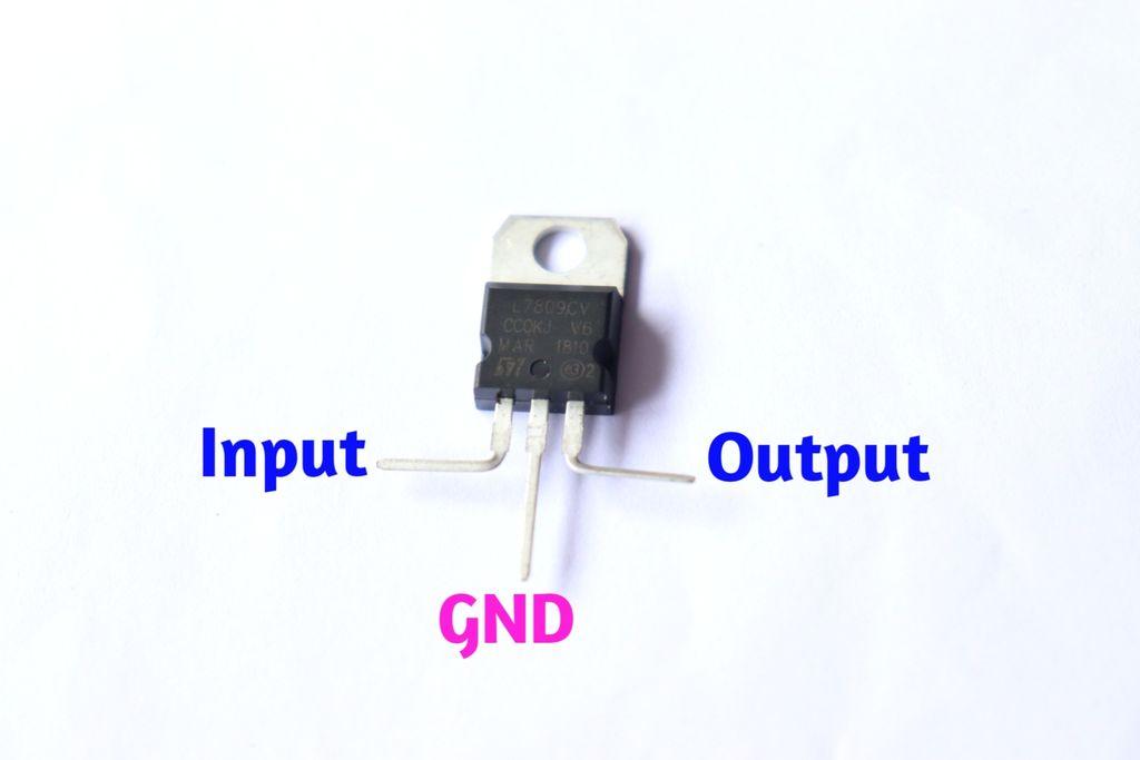 Picture of 7809 Voltage Regulator Pins