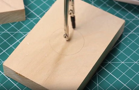 STEP 1 a Circle on the Wood