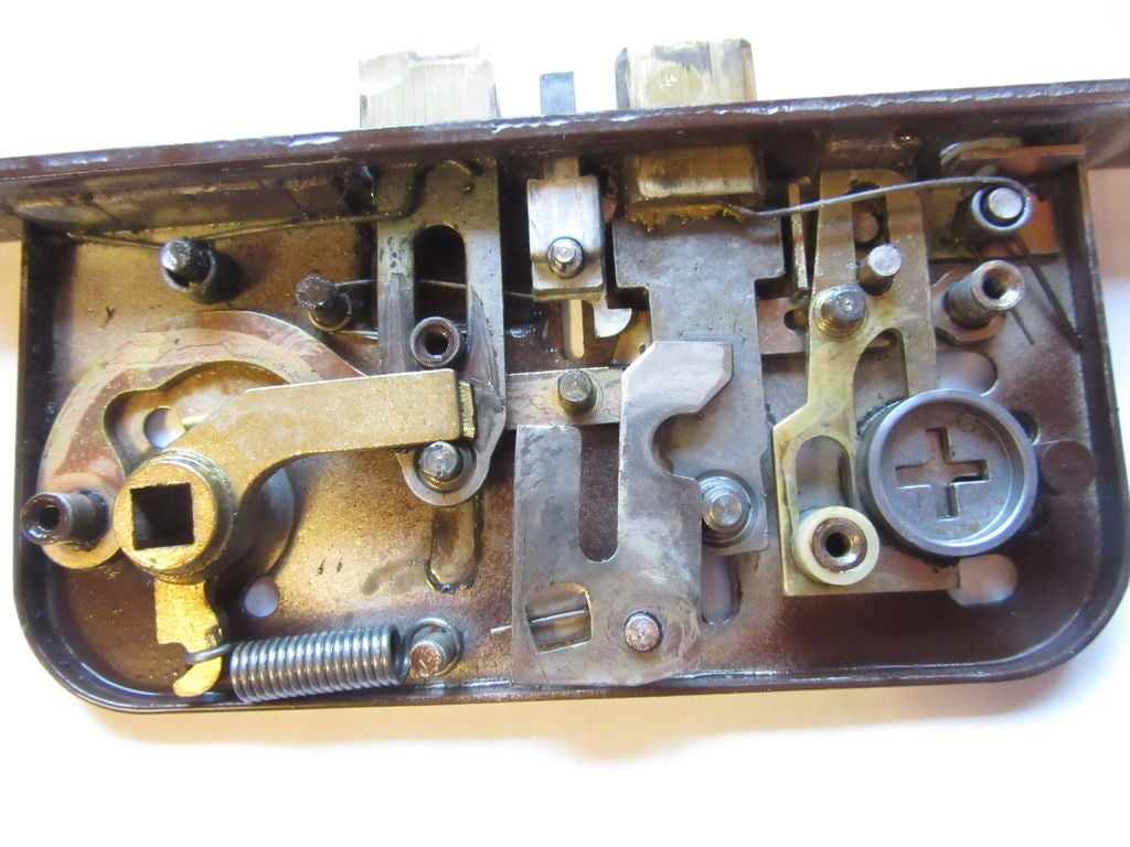 Picture of How to Disassemble a Boda 4235 Lock Case (Abloy 4235)