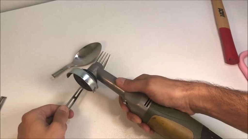 Picture of Cut Utensils to Desired Lenght