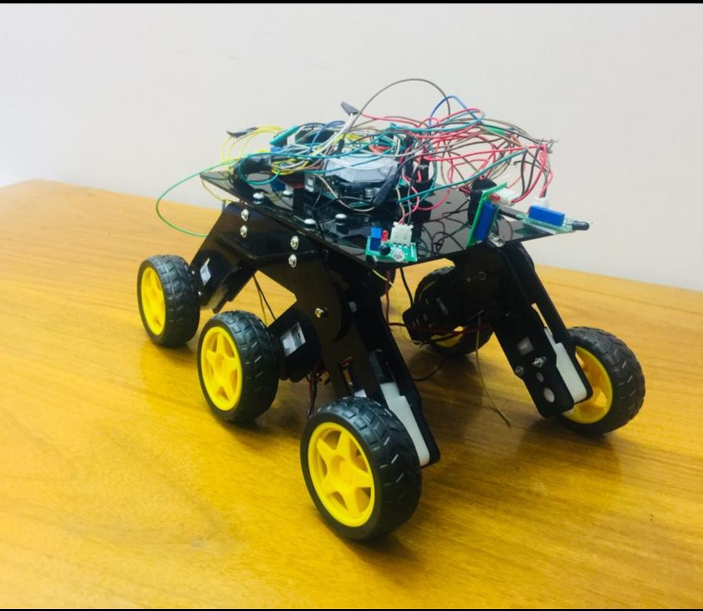 Picture of  a HIGH TECH SPACE ROBOT