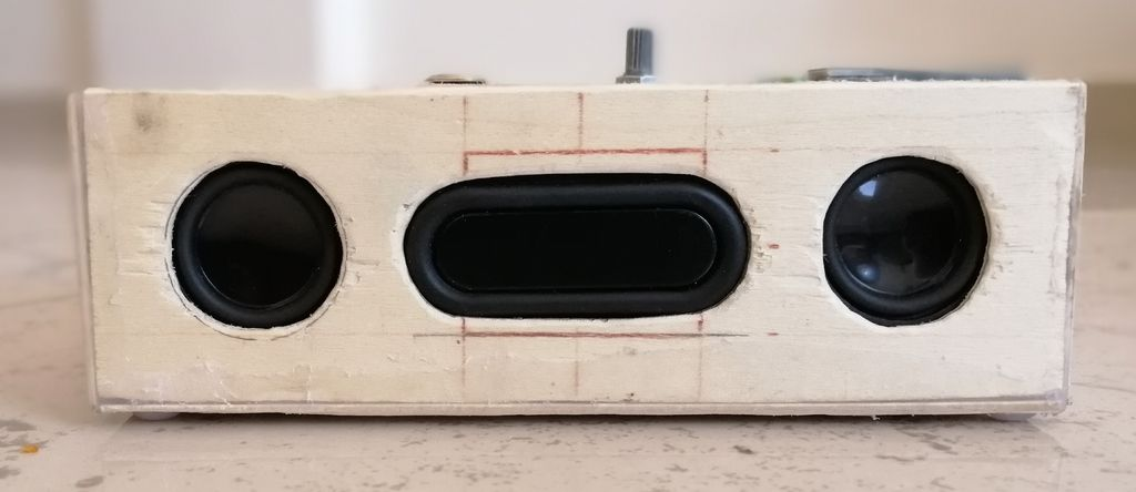 Picture of Cheap and Simple Bluetooth Speaker