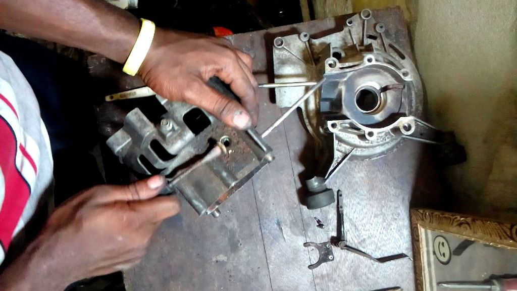 Picture of  STRIPING THE CRANKCASE BARE