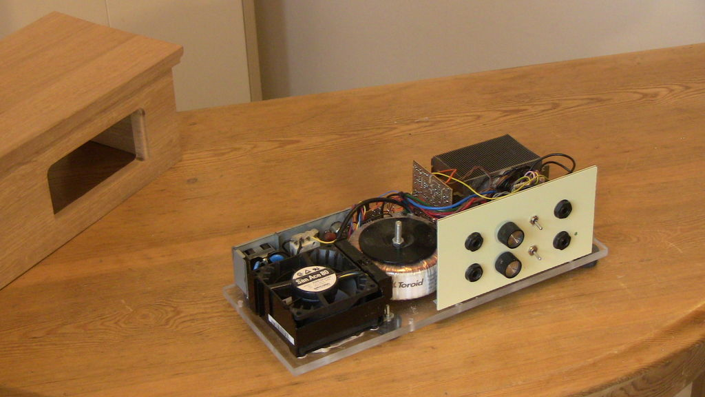 Picture of Amplifier Without the Case