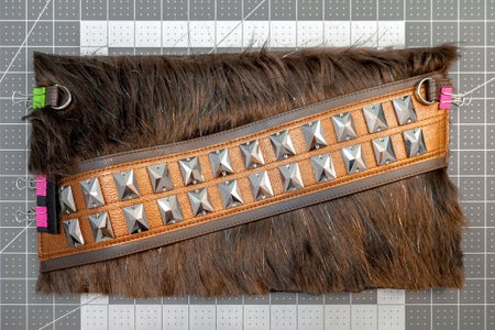 Attaching the Belt & Side Tabs