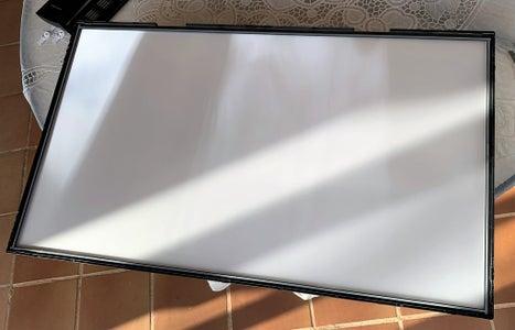 "LG 32"" LED TV LCD Panel Disasembly"
