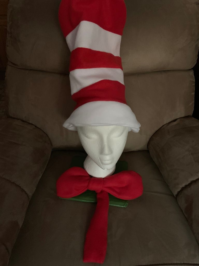 Picture of Cat in the Hat Hat and Bowtie