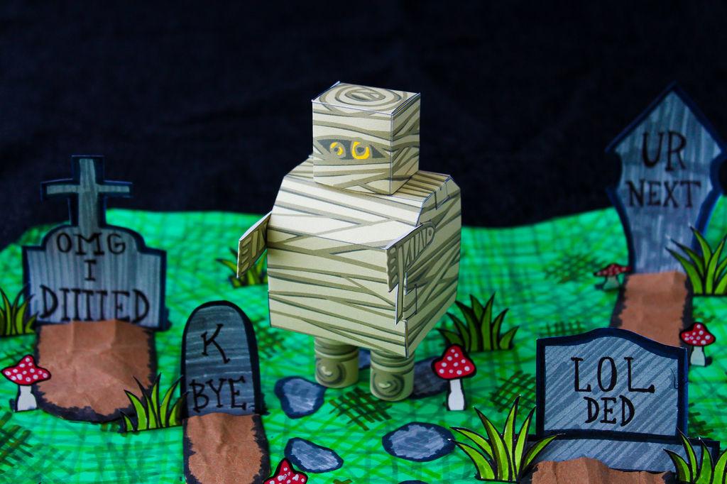 Picture of Free Halloween Mummybot Papercraft