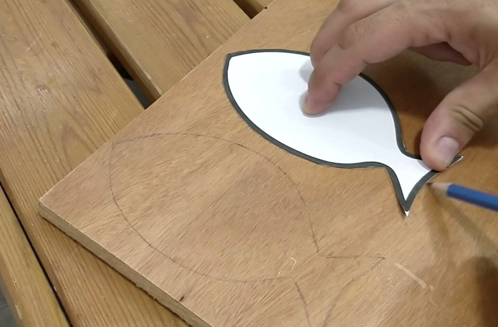 Picture of Drawing the Fish Shapes on the Wood