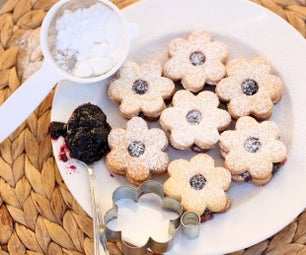 Traditional Linzer Christmas Cookies