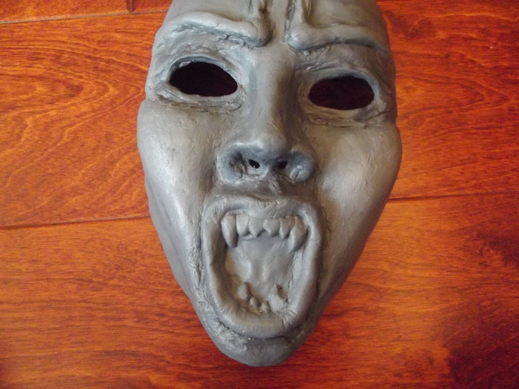 Picture of How to Make a Weeping Angel Mask (From Doctor Who)