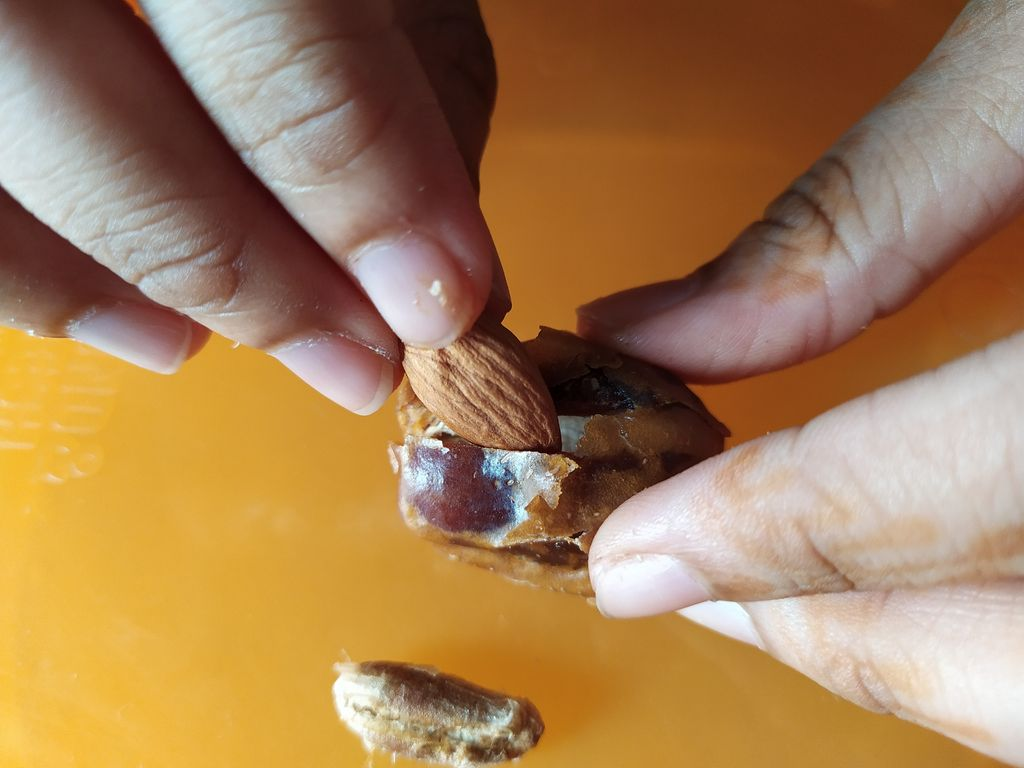 Picture of PREPARING THE NUTS AND FRUITS