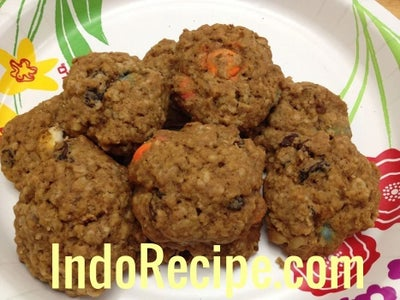 Smarties Oatmeal Cookies (Leftover Halloween Candies)