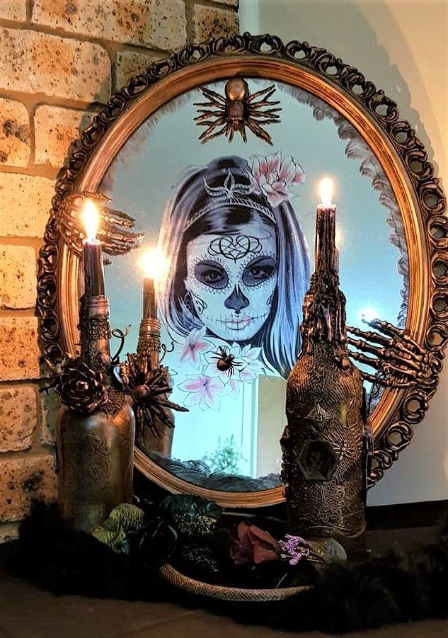 Picture of Creepy Halloween Mirror