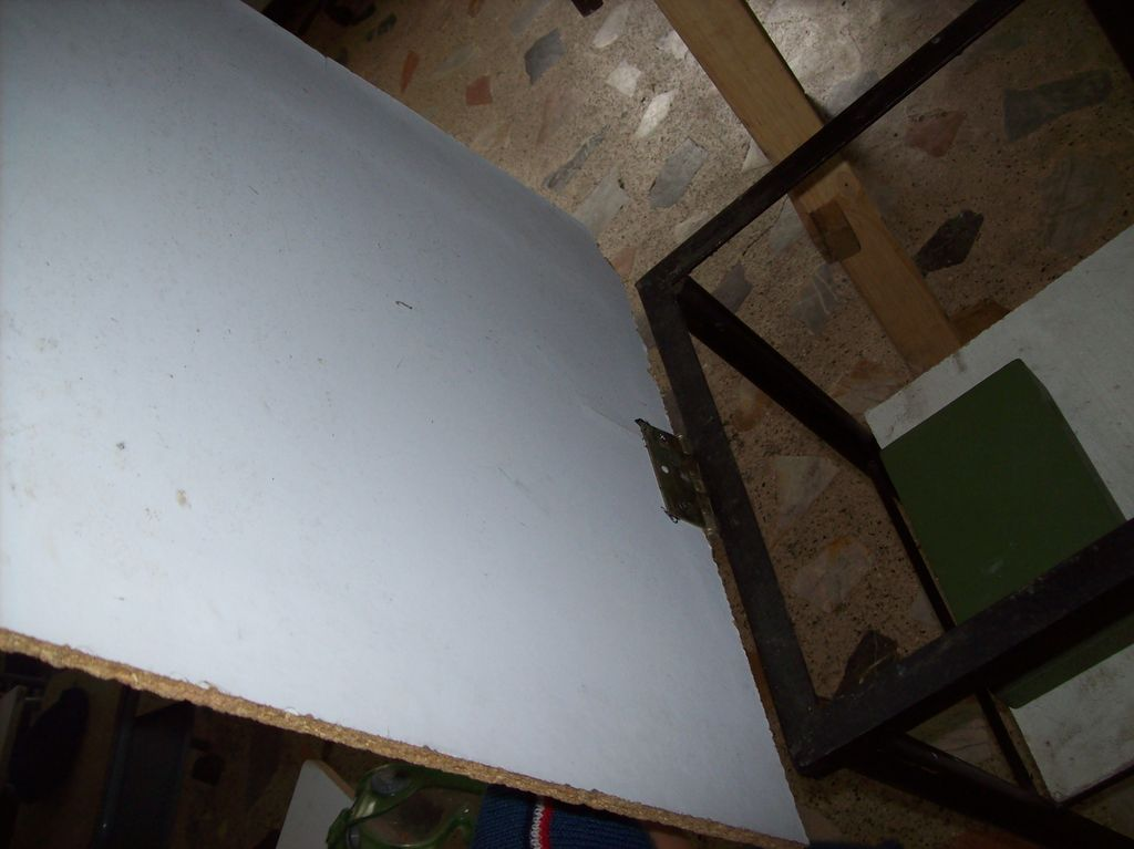 Picture of Auxiliar Table.