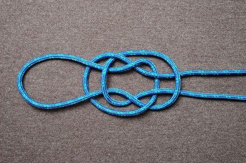 Tie a SINGLE Jug Knot