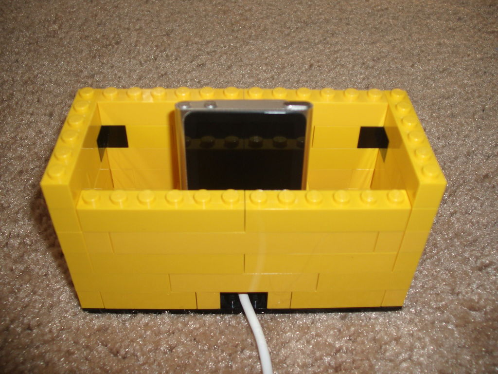 Picture of Transformable Lego IPod Dock