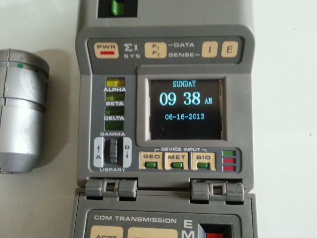 Picture of Toy Mod: Convert a TR-550 Star Trek Tricorder Into a Digital Clock With Picture Frame