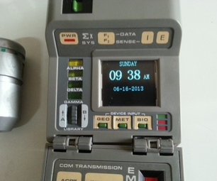 Toy Mod: Convert a TR-550 Star Trek Tricorder Into a Digital Clock With Picture Frame