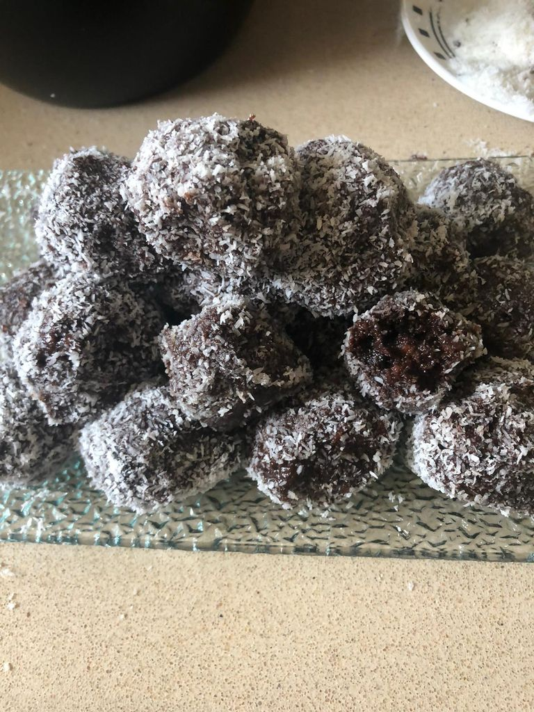 Picture of Chocolate Balls With Oreo and Lotus