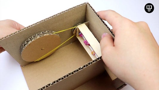 Use Elastic Bands to Make the Mechanism Work