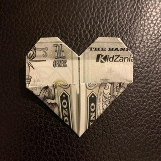 money heart | Easy origami heart, Origami instructions, Dollar heart origami | 320x320