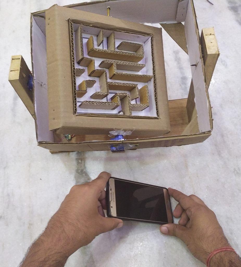 Picture of Smartphone Accelerometer Controlled Cardboard Maze