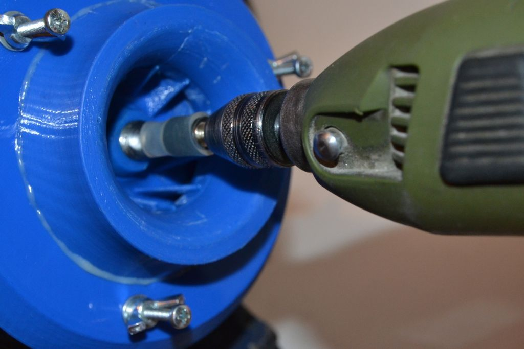 Picture of Let's Learn How to Rotate the Engine's Shaft With an External Force
