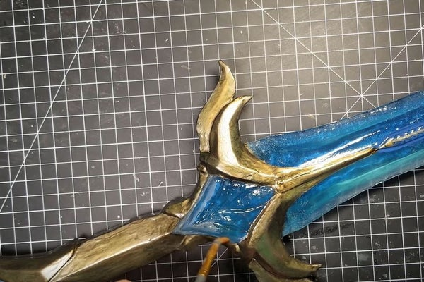 Picture of Remove the Mask and Apply UV Resin to the Entire Model