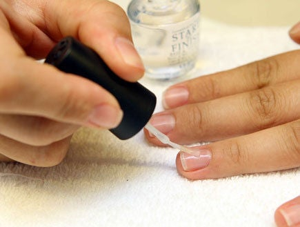 Picture of Place the Cotton Wool & Put the Transparent Nail Polish