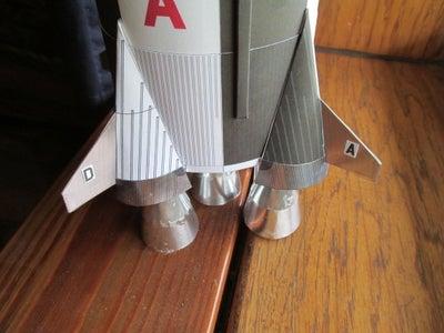 打印与组装土星5火箭 -  1:96秤纸模型