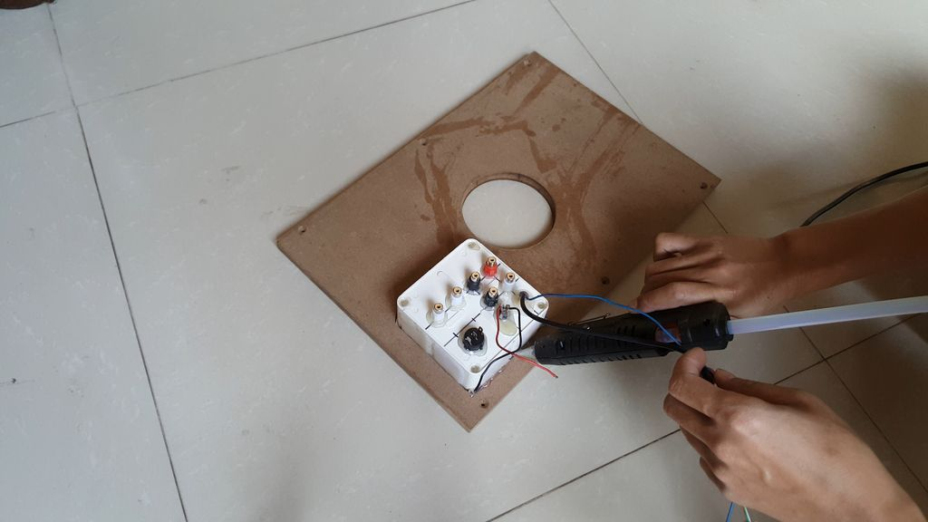 Picture of 2. Circuits and Speakers