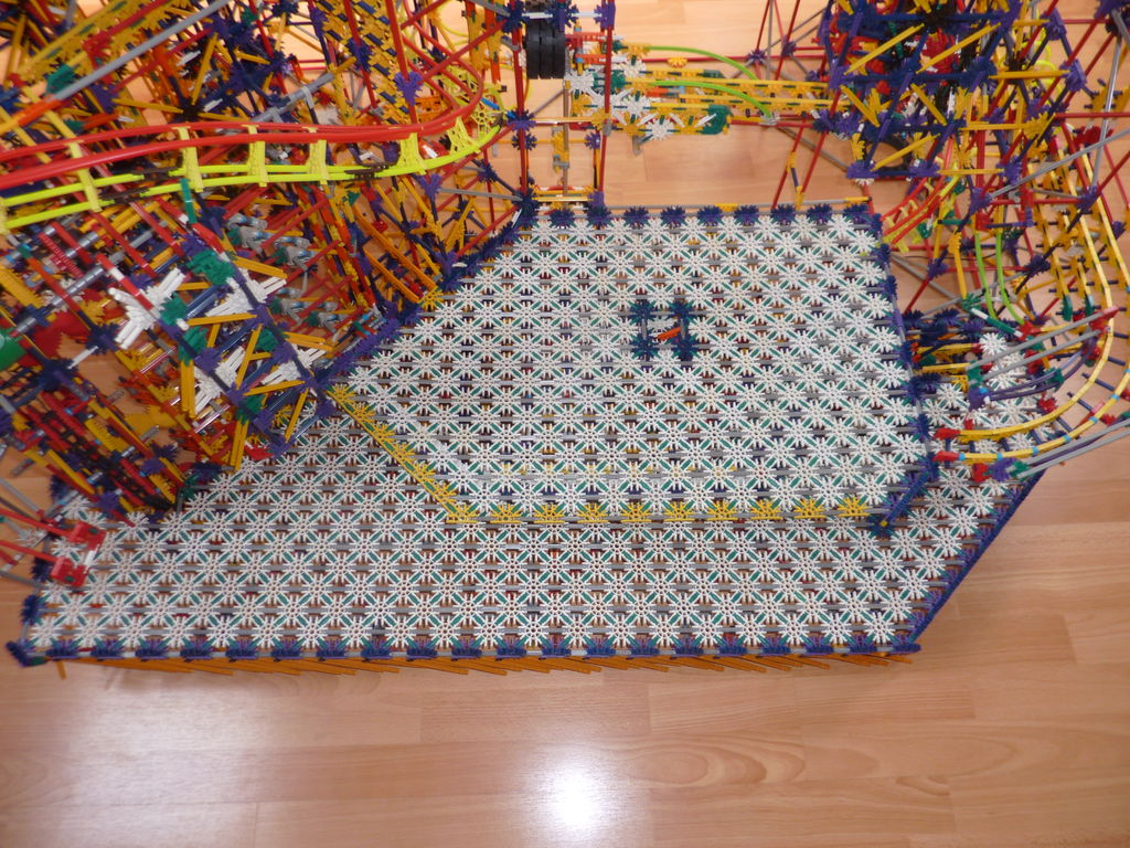 Picture of Knex Ball Machine: Paradox