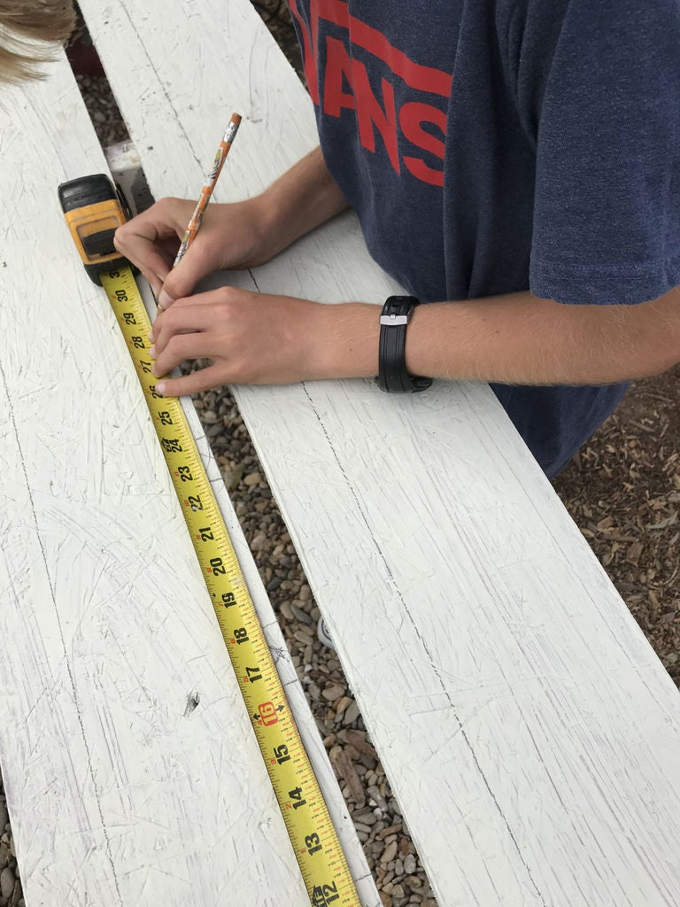 Picture of Cut and Measure the Wood
