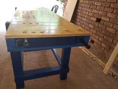 Fitting the Table Top Bench Vise and Bench Dogs (Optional)
