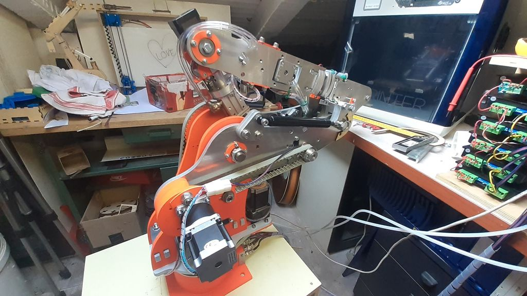 Picture of DIY Robot Arm 6 Axis (with Stepper Motors)