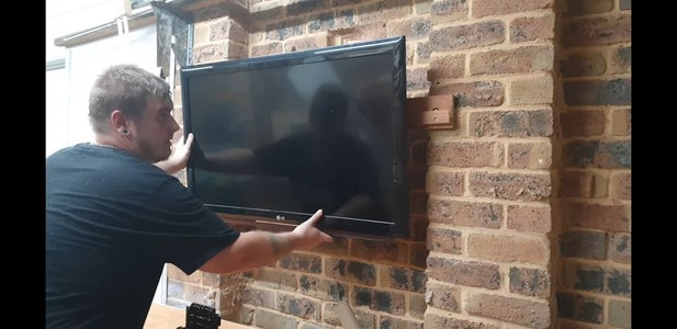 Lift Tv Onto Wall