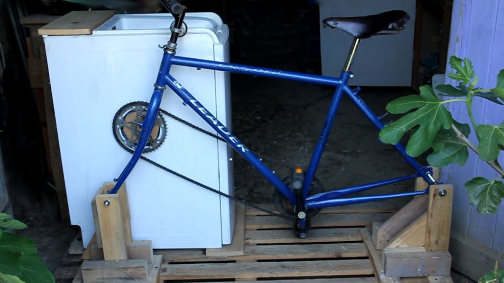 Picture of Assembly - Fitting the Machine and the Bicycle on the Pallet