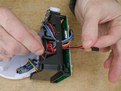 Connexion Du Câble Du Haut-parleur / Connecting the Speaker