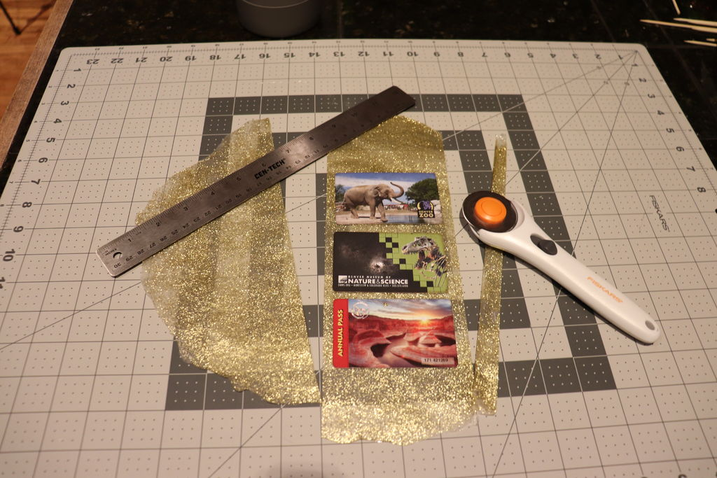 Picture of Glitter Card Holder: Cut It Out
